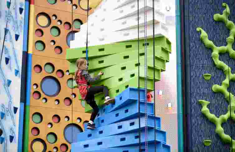 Edinburgh climbing arena, clip and climb, children's climbing wall