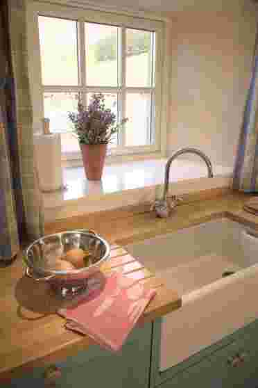 Lovely country kitchen in Steading holiday cottage, the perfect rural retreat near Edinburgh