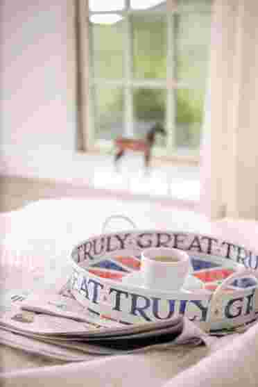 Breakfast in bed in your very own holiday home located in the Pentland Hills near Edinburgh